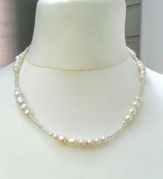 Süßwasser Perlen Kette handgefertigt Unikat Kette. Perlen Kette kernlos 4554