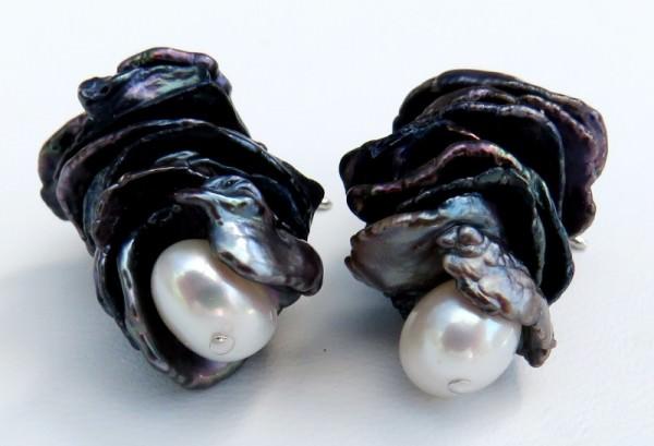 Draufsicht Keshi Perlen Ohrringe