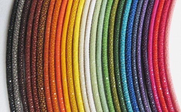 Rochenleder Halsreif 4 mm für Wechselschließe Massanfertigung Endkappe vergoldet 3047V