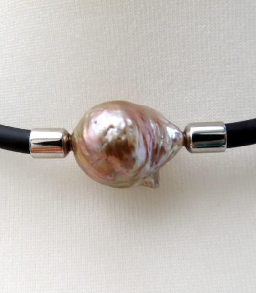 Süßwasser Perlen Kautschuk Ketten jede ein handgefertigtes Unikat 4689