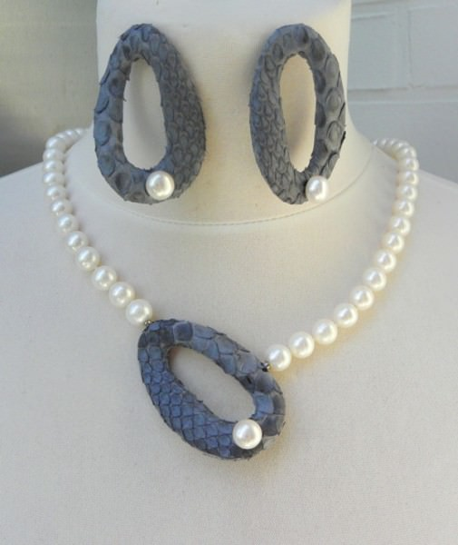 Süßwasserperlen Python Unikat Set Ohrringe und Wechselschließe 3250